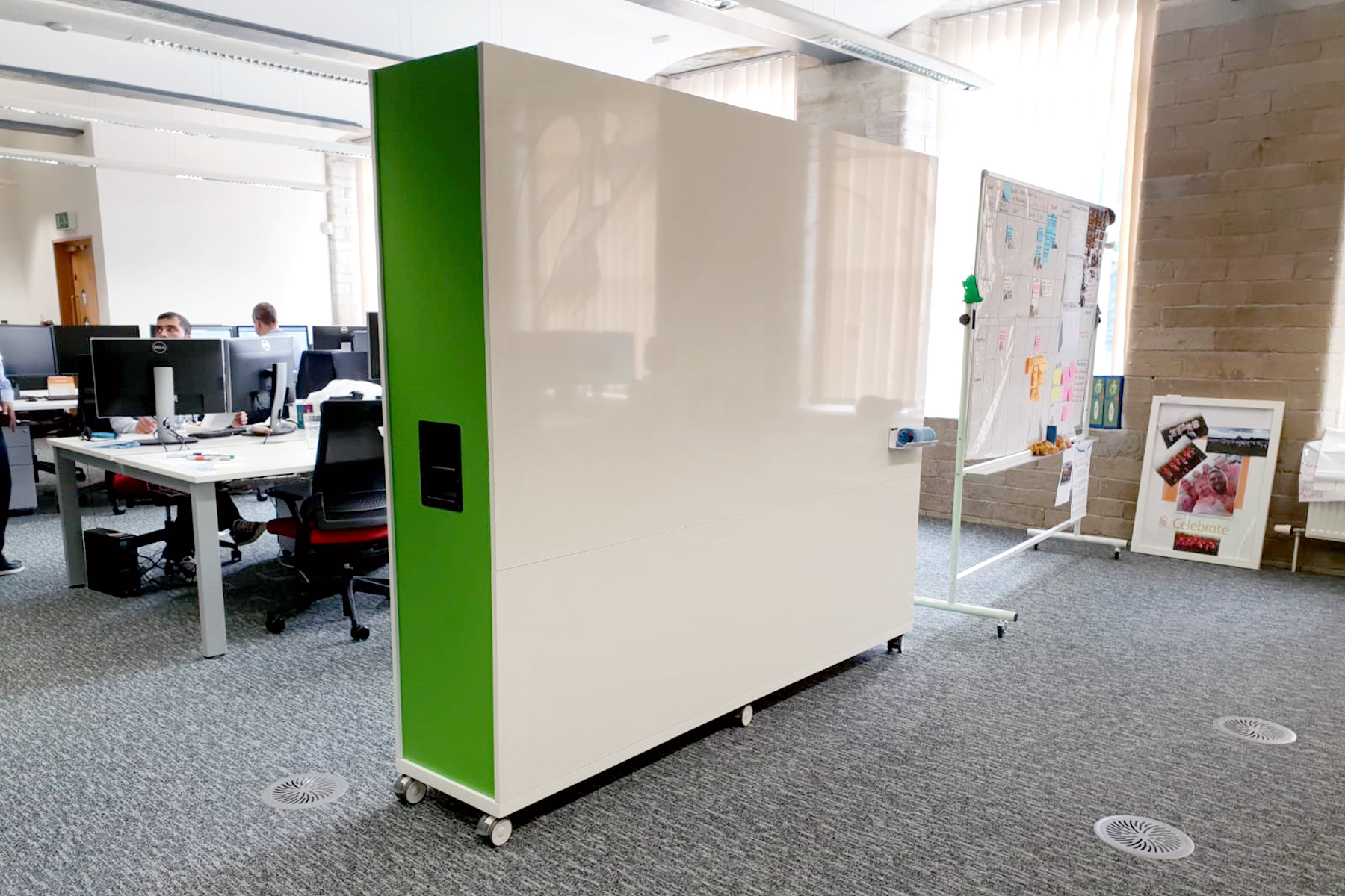 mobile whiteboard divider