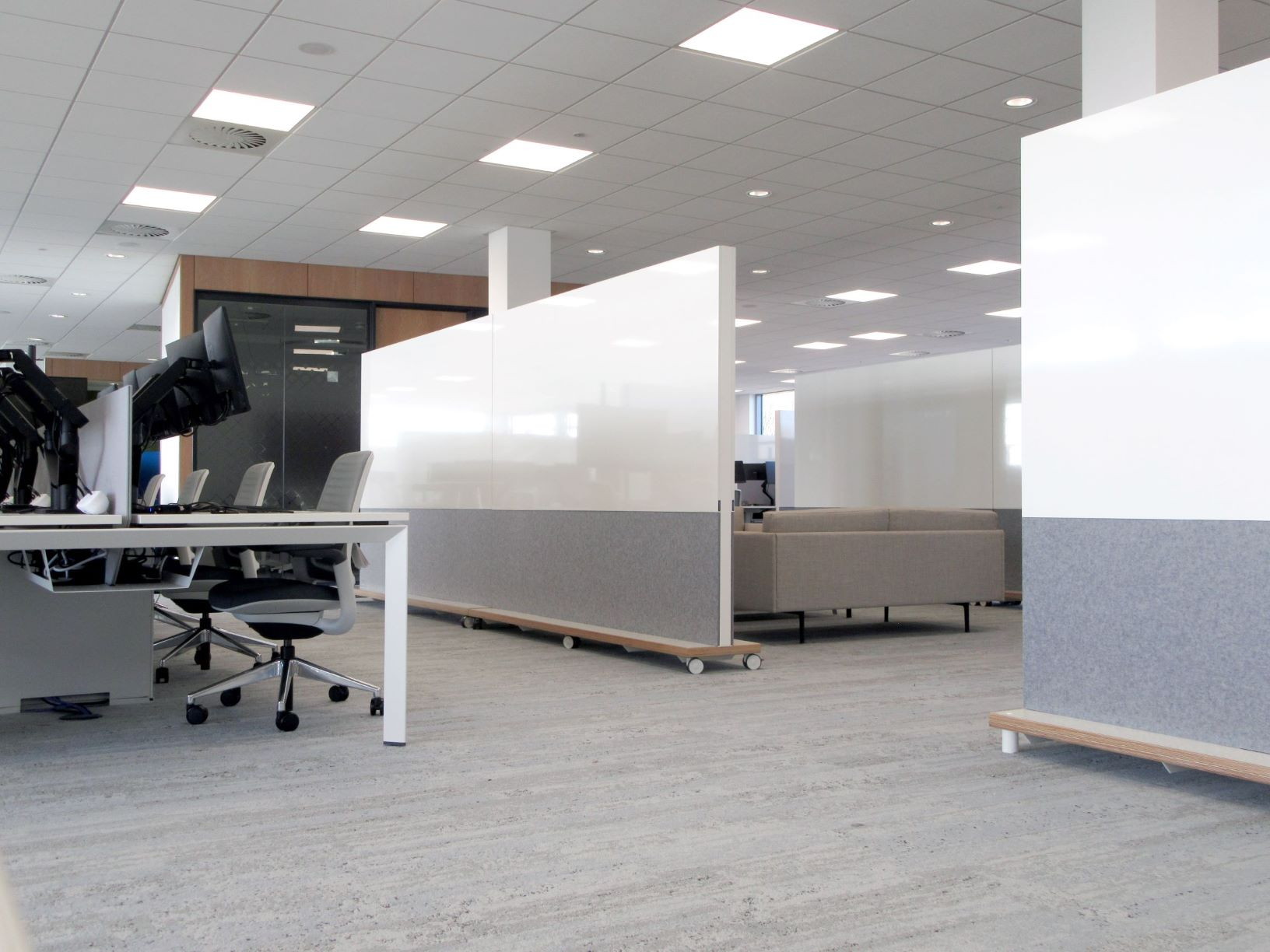Screens to zone large office