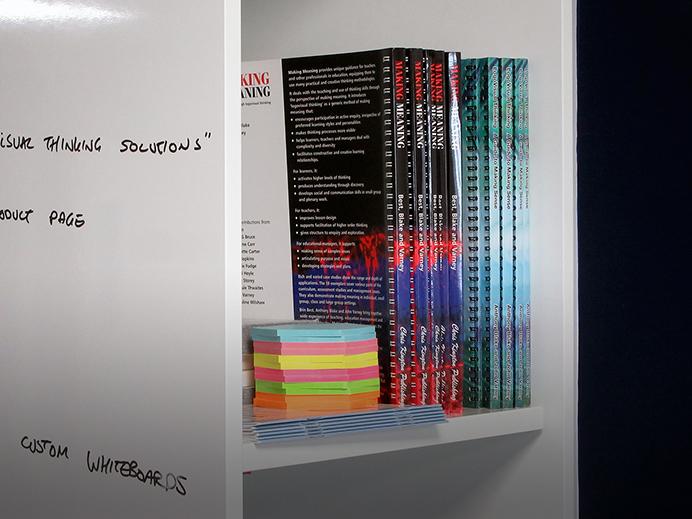 https://www.logovisual.com/wp-content/uploads/2021/08/LVT-books-2.jpg